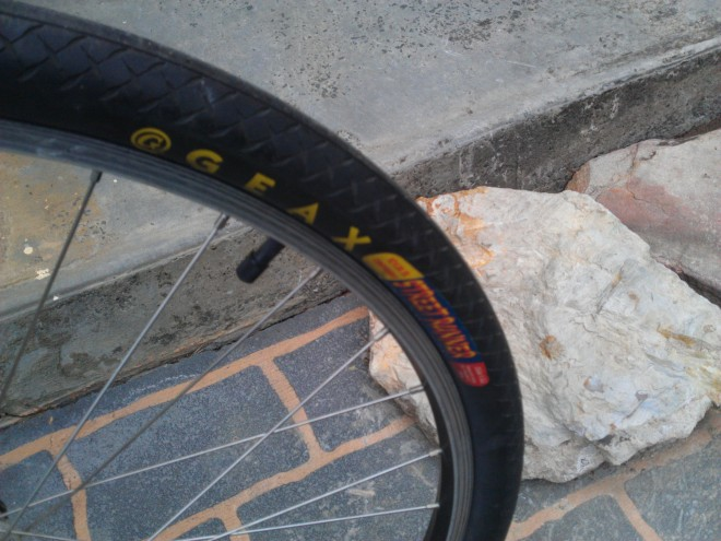 Commuter tyres